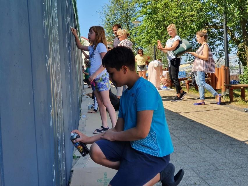 Malowanie muralu we Władysławowie - 25 czerwca 2021