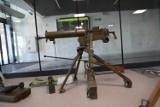 Broń z pierwszej i drugiej wojny światowej na dworcu autobusowym w Kielcach! Robi niesamowite wrażenie [ZDJĘCIA]