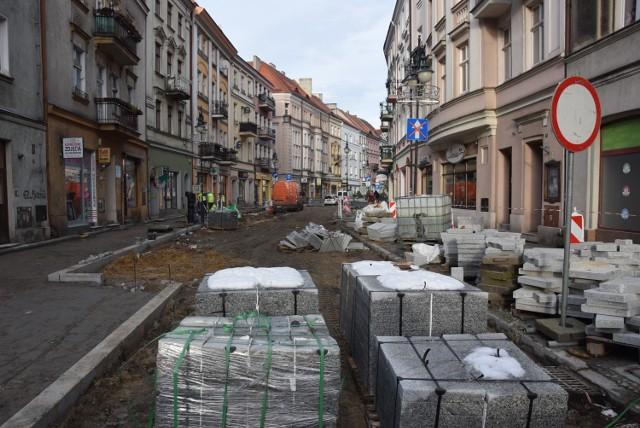 Zima odpuściła i prace w kaliskim Śródmieściu zostały wznowione