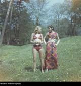 To było modne w czasach PRL. Zobaczcie, jak ubierały się nasze mamy i babcie!