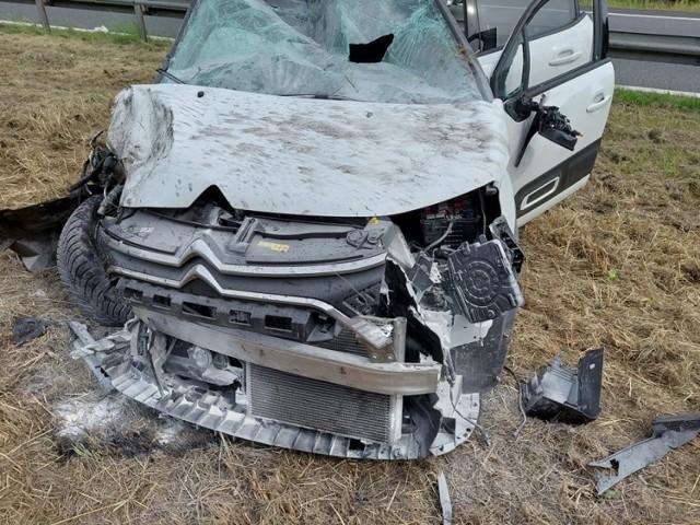 5 lipca doszło do zderzenia dwóch aut na DK-86 w Preczowie. 2 osoby zostały ranne.  Zobacz kolejne zdjęcia. Przesuwaj zdjęcia w prawo - naciśnij strzałkę lub przycisk NASTĘPNE