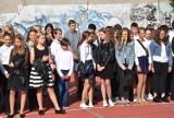 """Klasy IV-VIII chodzieskiej """"Jedynki"""", podczas rozpoczęcia roku szkolnego - galeria"""