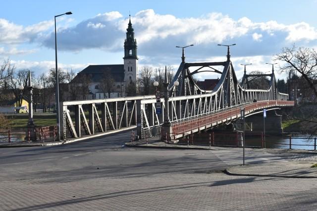 Most w Krośnie Odrzańskim zostanie podniesiony. Tylko kiedy?