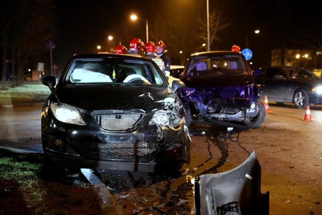 Wypadek przy skrzyżowaniu ul. Kostromskiej i Sikorskiego (koło Lidl) w Piotrkowie