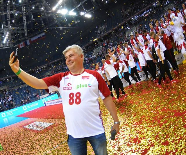 Marek Magiera to dziennikarz sportowy, który od lat obserwuje z bliska najważniejsze wydarzenia siatkarskie z udziałem naszych reprezentantów