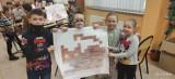 Kaźmierz. Dzieci świętowały Dzień Kota w szkolnej bibliotece [ZDJĘCIA]