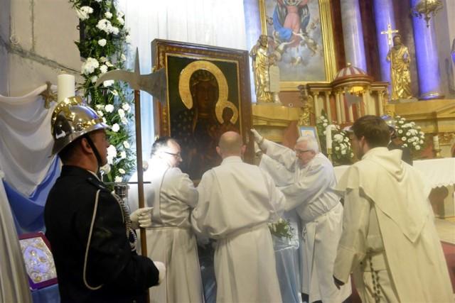 ŚMIGIEL. Obraz Matki Bożej przybył do parafii farnej