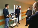 WSCHOWA. Trzy gminy i powiat złożyły się na zakup analizatora parametrów krytycznych dla Nowego Szpitala we Wschowie [ZDJĘCIA]