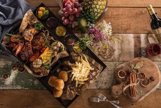 Aplikacja Too Good To Go to świetny sposób na walkę z marnowaniem jedzenia. Można w niej kupić doskonałe jedzenie za zaledwie 1/3 ceny. Które kieleckie restauracje dołączyły do akcji? Sprawdź!