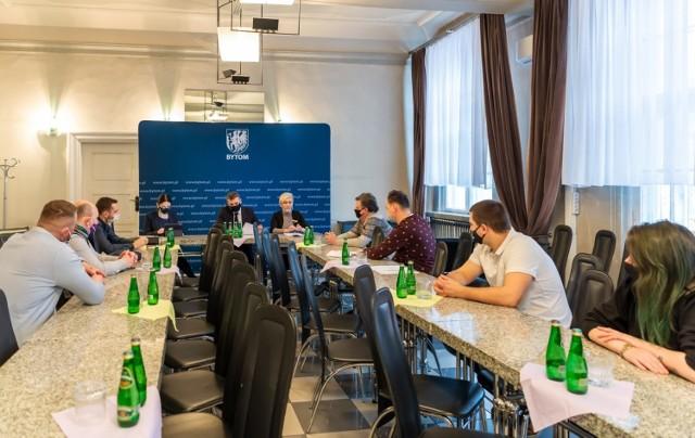 Prezydent Bytomia spotkał się z przedstawicielami branży gastronomicznej. Kolejne ma się odbyć już w piątek.