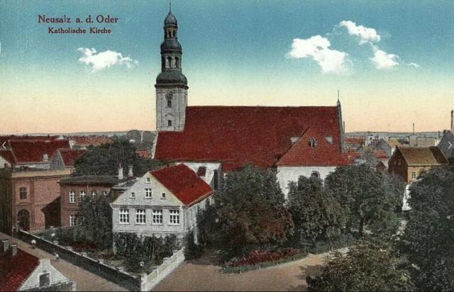 - Najstarsza nowosolska świątynia była jednym z pierwszych murowanych kościołów protestanckich wzniesionych w regionie - czytamy w książce Dzieje Nowej Soli