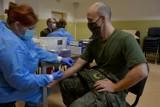 Żołnierze i pracownicy 12 BZ przebadani na przeciwciała COVID-19