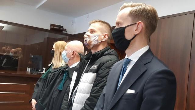 Tomasz Komenda podczas odczytywania wyroku o odszkodowanie