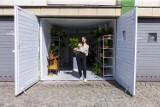 """Liście Powiśle. Otworzyła mikro kwiaciarnię w garażu samochodowym. """"Z miłości do roślin i ekologii"""""""