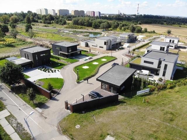 Osiedle domów jednorodzinnych Panorama Park powstaje w Rudzie Śląskiej. Będą tu też apartamentowce.  Zobacz kolejne zdjęcia. Przesuwaj zdjęcia w prawo - naciśnij strzałkę lub przycisk NASTĘPNE