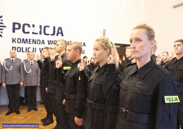 Nowi policjanci ślubowali we Wrocławiu