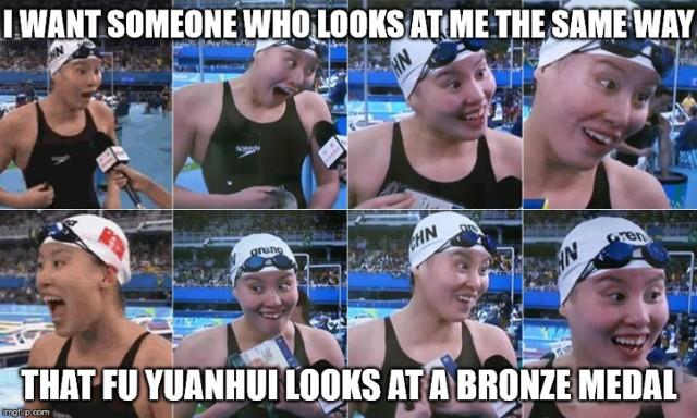 Pływaczka z Chin podbija sieć. Nikt nie cieszy się tak jak ona!