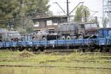 Duży transport wojskowy przejechał przez Głogów. Żołnierze i pojazdy na wielu wagonach. ZDJĘCIA