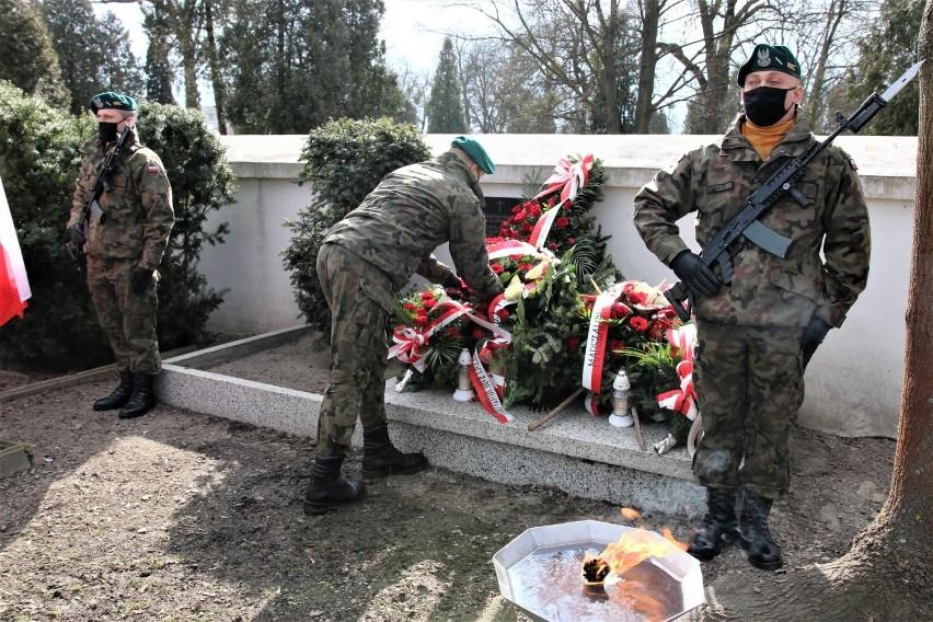 Chełm. W 77. rocznicę egzekucji na targowicy uczczono pamięć pomordowanych. Zobacz zdjęcia
