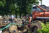 Budowa ronda w Wieluniu. Mieszkańcy centrum miasta bez wody ZDJĘCIA