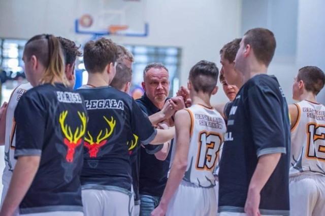 Wielkie, koszykarskie emocje czekają wszystkich Kibiców młodzieżowej koszykówki już w przyszły weekend. Ruszają bowiem Mistrzostwa Polski U17M. W turnieju nie zabraknie także sierakowskiego BC Biofarm!