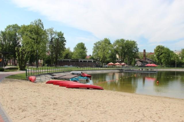 Zalew w Jędrzejowie - w tym sezonie nie będzie dostępny dla zwolenników pływania.