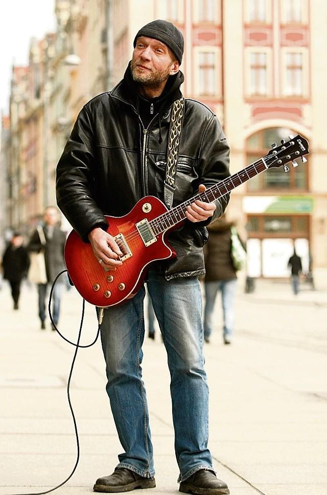 Gitarzysta serwisu randkowego
