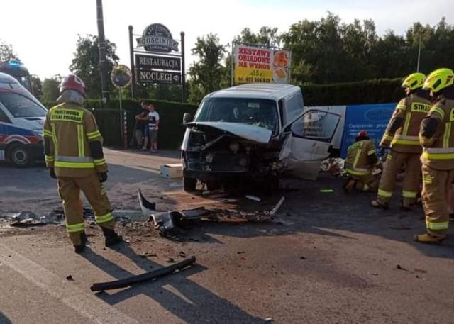 Wypadek w Szałem pod Kaliszem. Cztery osoby trafiły do szpitala