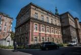Nie wszystkie szpitale w Poznaniu mają parkingi. Gdzie zaparkujesz i za ile?