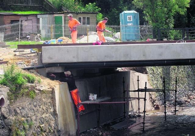 Remonty mostów w Bogatyni, zniszczonych przez powódź, mają być skończone w tym roku