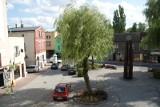 Został pobity na lublinieckim rynku, bo zwrócił uwagę pijakowi sikającemu na pomnik