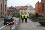 Straż miejska w Rybniku: Pijana kobieta leżała pod bankomatem