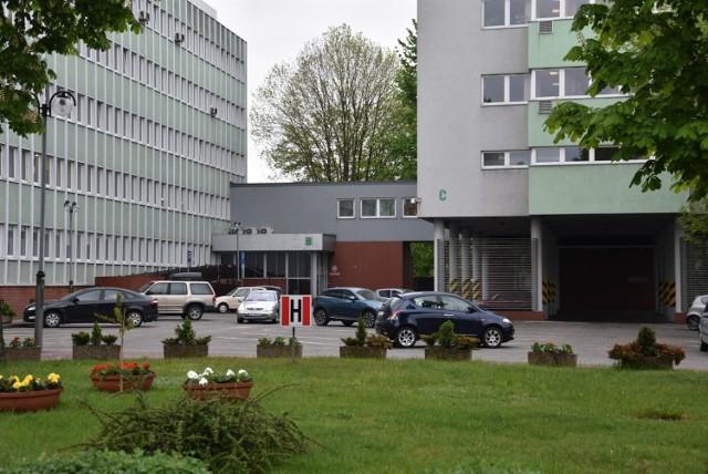 ZUS w Sosnowcu nie posiada barier architektonicznych. Podczas remontu placówki w Jaworznie, z obsługi w Sosnowcu bez problemów mogą korzystać osoby z niepełnosprawnościami.