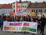 Oświęcim. Rzesze wiernych przeszły ulicami miasta w Marszu dla Życia i Rodziny