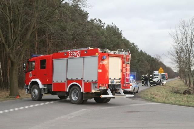 Wypadek na DK nr 10 w Przyłubiu. Zderzyły się trzy auta.