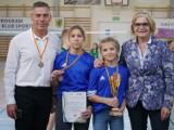 48. Wojewódzkie Igrzyska Dzieci w Badmintonie Drużynowym Dziewcząt w Helu. Wicemistrzyniami zostały Nadia Złotoś i Milena Piktel | ZDJĘCIA
