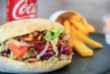Najlepszy kebab w Krakowie według rankingu Google. Oceny nie schodzą poniżej 4,0. Sprawdź, gdzie zjesz najsmaczniejsze kebaby w mieście
