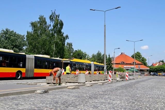 Trwa budowa największej stacji szybkiego ładowania autobusów elektrycznych w Warszawie