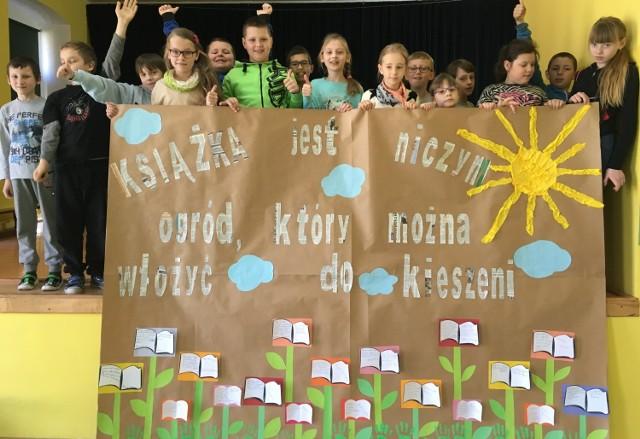 Klasowe księgi IIIA SP - projekt edukacyjny promujący czytelnictwo w szkole w Wicku