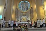 Ksiądz z parafii pw. św. Maksymiliana w Zduńskiej Woli chory na koronawirusa. Sanepid i parafia apelują do parafian ZDJĘCIA