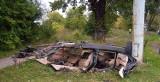 Wypadek BMW w Piasecznie na ulicy Puławskiej. Samochód uderzył w słup, zginęły 3 osoby