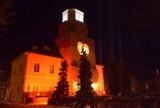 Finał WOŚP 2021 w Wieluniu. Światełko do nieba przy ratuszu FOTO, WIDEO