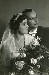 Chełmno. Ogromne zainteresowanie wystawą portretów ślubnych w Muzeum Ziemi Chełmińskiej. Nowe zdjęcia
