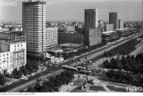 """Najwyższe budynki dawnej Warszawy. Te """"wieżowce"""" kiedyś były najwyższe [ZDJĘCIA]"""