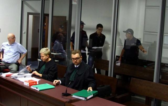 Proces Zuzanny M. i Kamila N. oskarżonych o zamordowanie rodziców chłopaka.