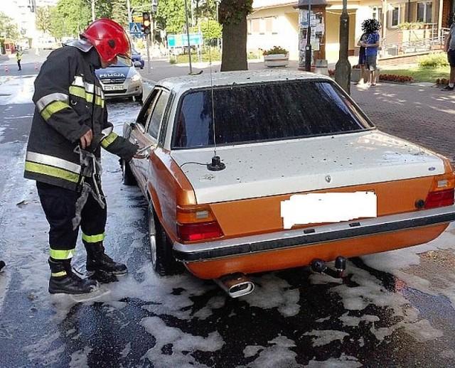 Pożar w Brzozowie. Spłonął samochód