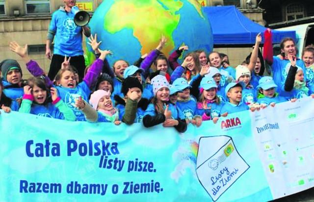 """Listy dla Ziemi to największa akcja edukacji ekologicznej w Polsce. W tym roku jest też """"Po stronie natury"""""""