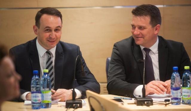 """Dariusz Klimczak (po lewej) i Artur Bagieński. PSL walczy o """"odzyskanie"""" mandatu w okręgu nr 5. ©Maciej Stanik"""