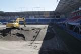 Stadion Piasta Gliwice zyska nową murawę. Na obiekt wjechał ciężki sprzęt