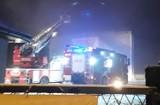 Bytom: Pożar w Tesco [ZDJĘCIA]. Zapaliła się m.in. skrzynia z fajerwerkami, sklep nieczynny